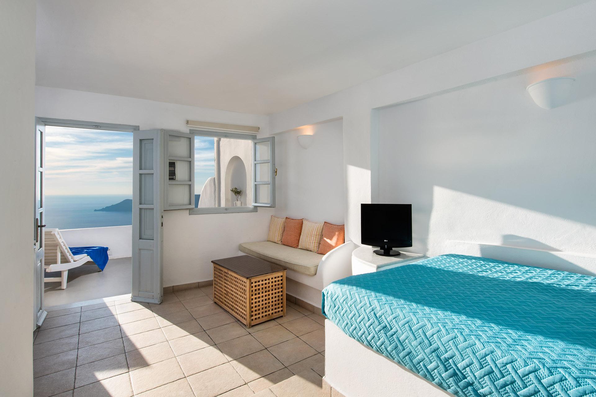 StGeorge-Santorini-7233